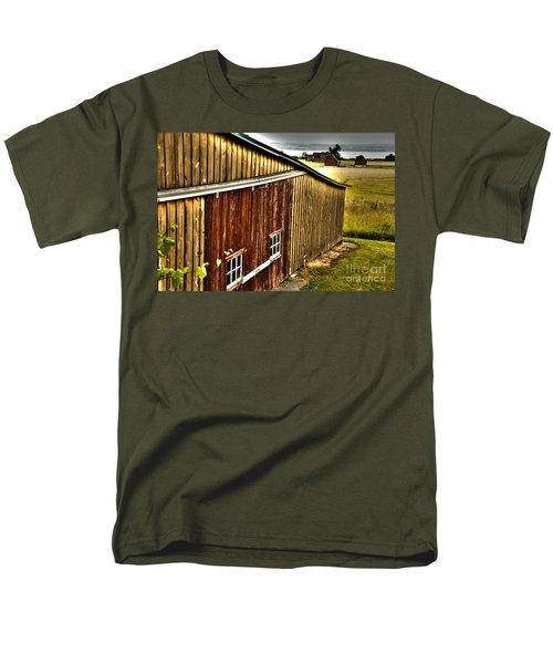 Wine Barn Men's T-Shirt  (Regular Fit) by William Norton