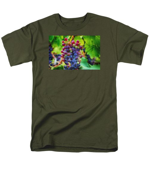 Men's T-Shirt  (Regular Fit) featuring the photograph Wonderful Colors by Lynn Hopwood