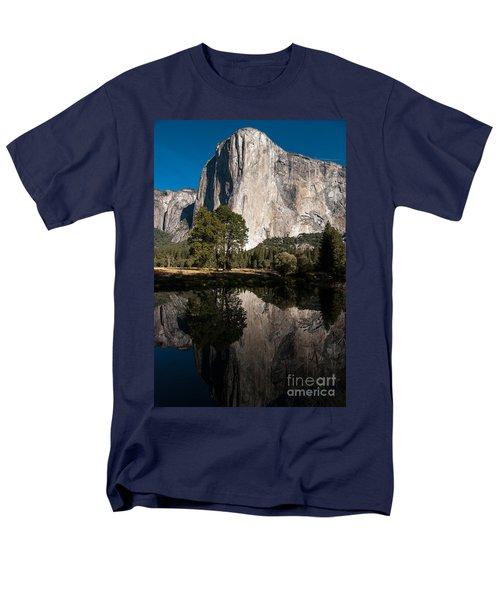 El Capitan In Yosemite 2 Men's T-Shirt  (Regular Fit)