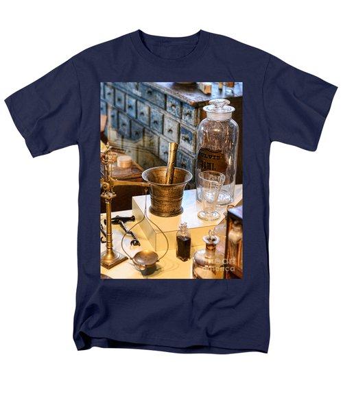 Pharmacist - Brass Mortar And Pestle Men's T-Shirt  (Regular Fit) by Paul Ward
