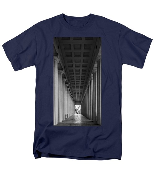 Soldier Field Colonnade Chicago B W B W Men's T-Shirt  (Regular Fit) by Steve Gadomski