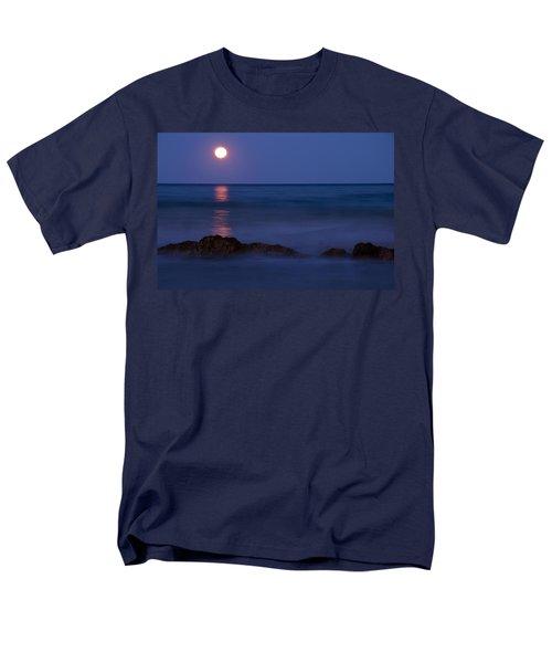 Wells Beach Maine Moonrise Men's T-Shirt  (Regular Fit)