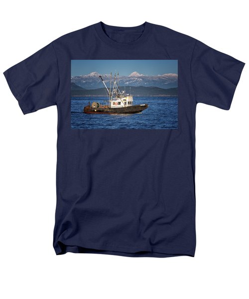 Men's T-Shirt  (Regular Fit) featuring the photograph Caligus by Randy Hall