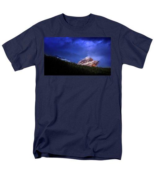 Golden Nugget Men's T-Shirt  (Regular Fit) by John Poon