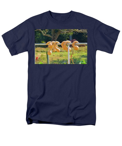 Men's T-Shirt  (Regular Fit) featuring the photograph Hang In There by Jeanette Oberholtzer