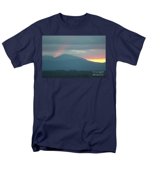 Men's T-Shirt  (Regular Fit) featuring the photograph Sendoff by Brian Boyle