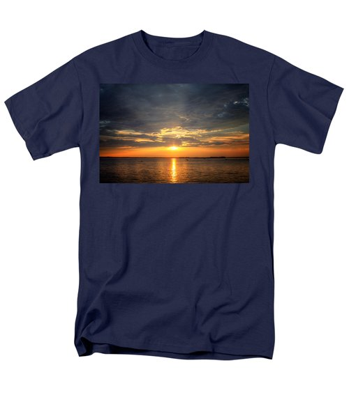 Men's T-Shirt  (Regular Fit) featuring the photograph Sunset On Lake Hartwell by Lynne Jenkins