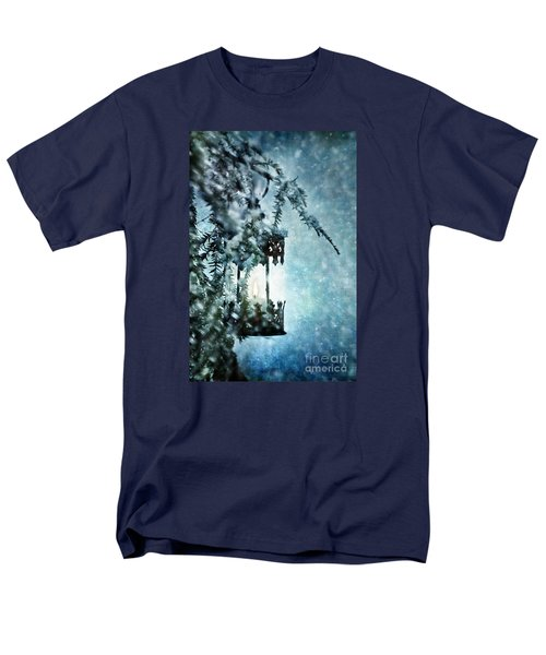 Winter Lantern Men's T-Shirt  (Regular Fit)
