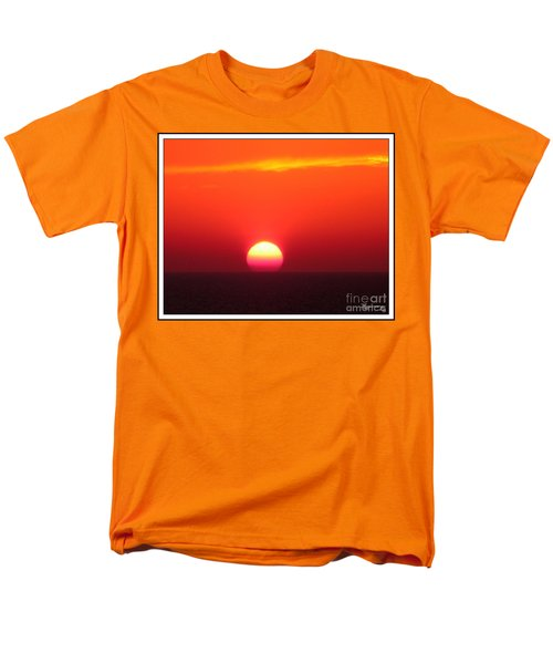 Men's T-Shirt  (Regular Fit) featuring the photograph A Cooling Dive by Mariarosa Rockefeller