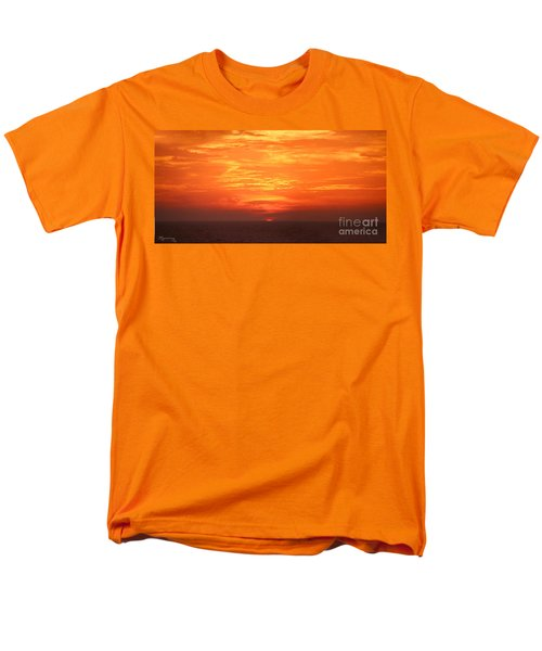 Men's T-Shirt  (Regular Fit) featuring the photograph A Final Splash Of Color by Mariarosa Rockefeller