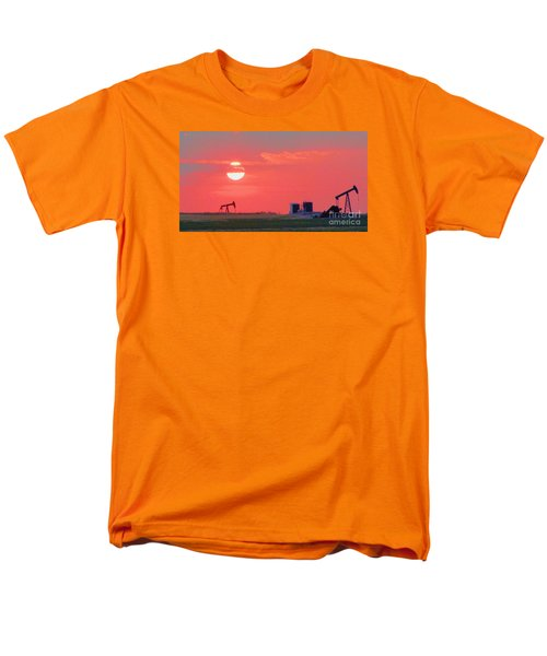 Men's T-Shirt  (Regular Fit) featuring the photograph Rising Full Moon In Oklahoma by Janette Boyd