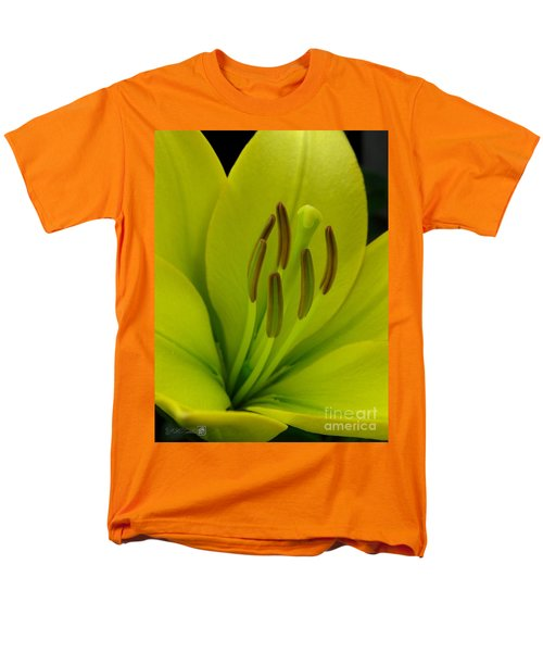 Men's T-Shirt  (Regular Fit) featuring the photograph Hybrid Lily Named Trebbiano by J McCombie