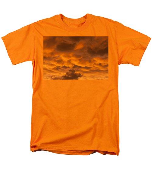 Mammatus Clouds Men's T-Shirt  (Regular Fit)