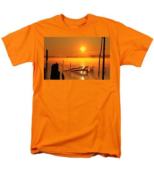 Mantis Sunrise Men's T-Shirt  (Regular Fit) by Roger Becker