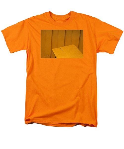 Men's T-Shirt  (Regular Fit) featuring the photograph Skc 1496 A Tea Shack Bench by Sunil Kapadia