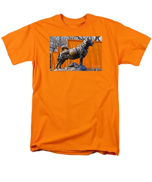 Statue Of Balto In Nyc Central Park Men's T-Shirt  (Regular Fit)
