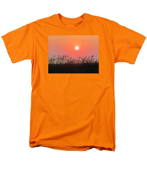 Men's T-Shirt  (Regular Fit) featuring the photograph Sunset At The Beach by Cynthia Guinn