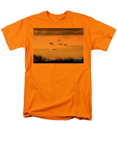 Winter Landing No.2 Men's T-Shirt  (Regular Fit)