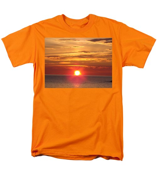 Men's T-Shirt  (Regular Fit) featuring the photograph Superior Setting by Bonfire Photography