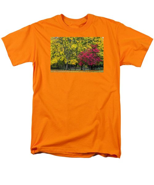 Autumn's Peak Men's T-Shirt  (Regular Fit) by Jeremy Lavender Photography