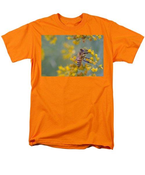 Bright Eyed Bee Men's T-Shirt  (Regular Fit) by Janet Rockburn
