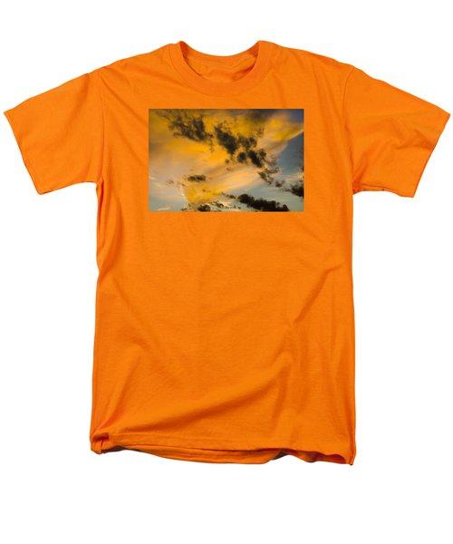 Contrasts Men's T-Shirt  (Regular Fit)