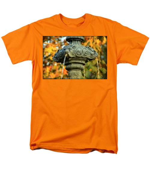 Men's T-Shirt  (Regular Fit) featuring the photograph Fountain At Union Park by Chris Berry