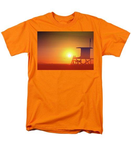 Men's T-Shirt  (Regular Fit) featuring the photograph Kicking It by Everette McMahan jr