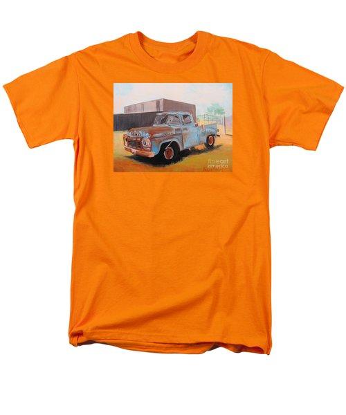 Old Blue Ford Truck Men's T-Shirt  (Regular Fit)