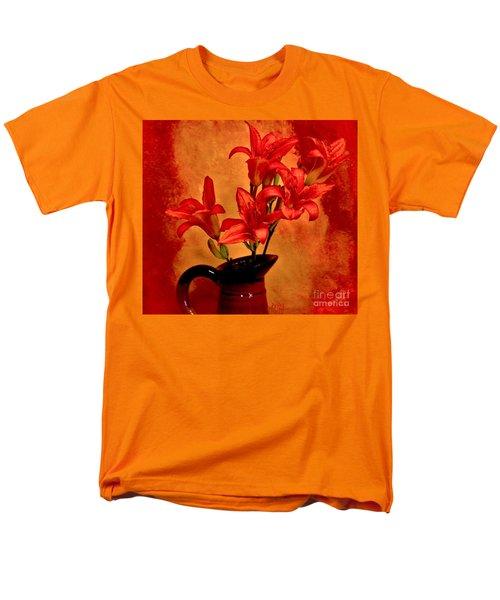Red Tigerlilies In A Pitcher Men's T-Shirt  (Regular Fit)