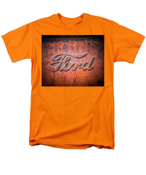 Rust Never Sleeps - Ford Men's T-Shirt  (Regular Fit)