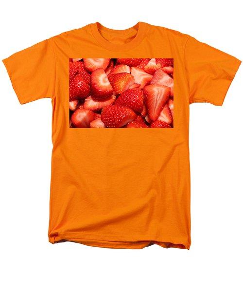 Strawberries 32 Men's T-Shirt  (Regular Fit)