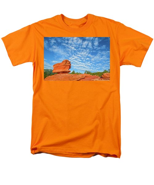 Vermillion Is The Color Of The Rock.  Men's T-Shirt  (Regular Fit)