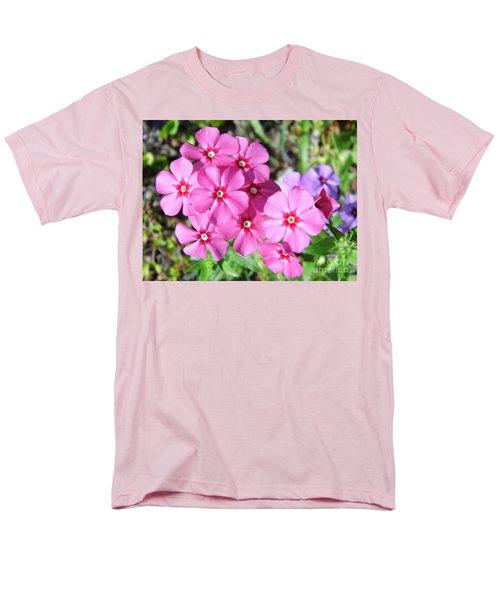 Men's T-Shirt  (Regular Fit) featuring the photograph Phlox Beside The Road by D Hackett