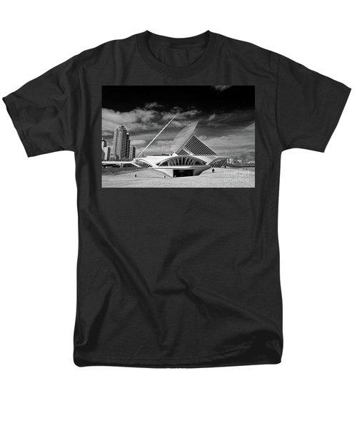 0352 Milwaukee Art Museum Infrared Men's T-Shirt  (Regular Fit) by Steve Sturgill