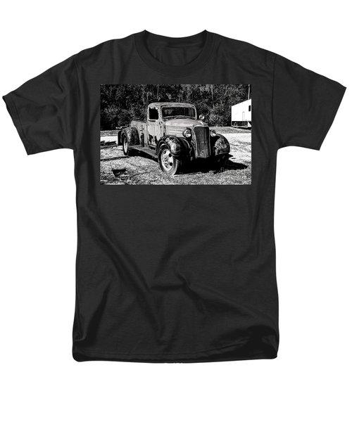 1937 Chevy Wrecker Men's T-Shirt  (Regular Fit) by Paul Mashburn