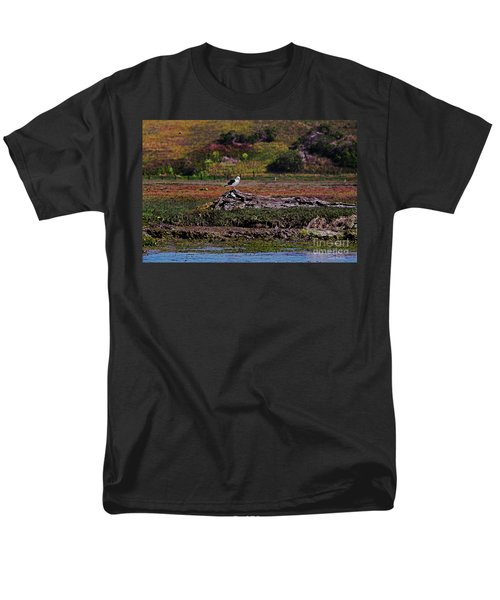 Western Gulls Nesting In A Log Men's T-Shirt  (Regular Fit) by Susan Wiedmann