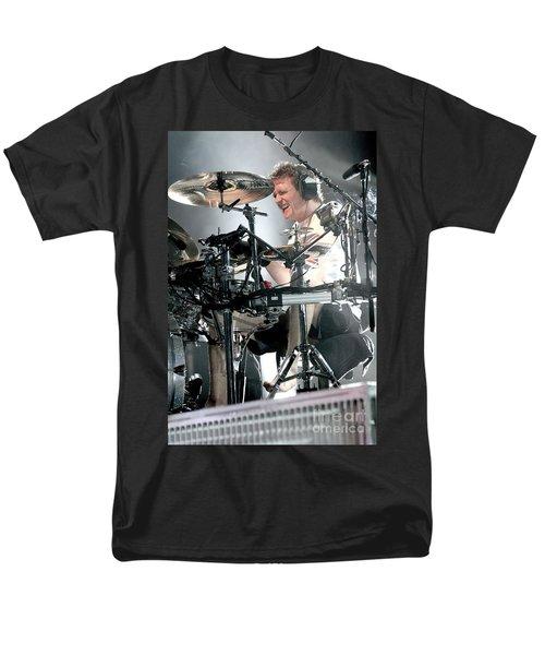 Def Leppard Men's T-Shirt  (Regular Fit) by Concert Photos