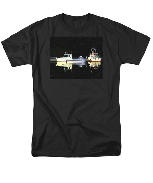 Last Light  Island Moorage Men's T-Shirt  (Regular Fit)