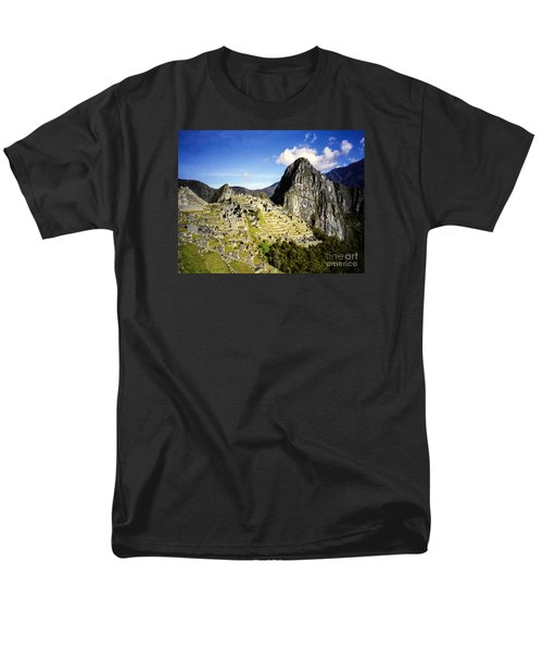 Men's T-Shirt  (Regular Fit) featuring the photograph The Lost City by Suzanne Luft