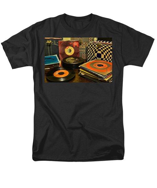 Vintage Vinyl Men's T-Shirt  (Regular Fit) by Paul Ward