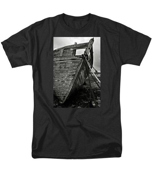 Old Abandoned Ship Men's T-Shirt  (Regular Fit) by RicardMN Photography