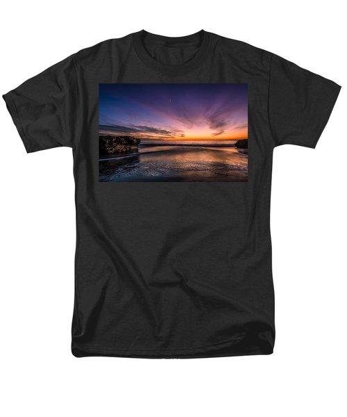 4 Mile Beach Sunset Men's T-Shirt  (Regular Fit) by Linda Villers