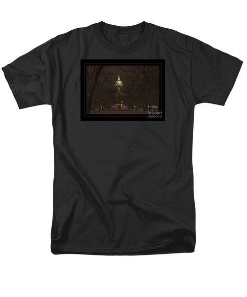 Notre Dame Golden Dome Snow Poster Men's T-Shirt  (Regular Fit)