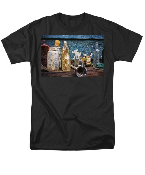 Men's T-Shirt  (Regular Fit) featuring the photograph Treasures Of A Scuba Diver by Peggy Collins