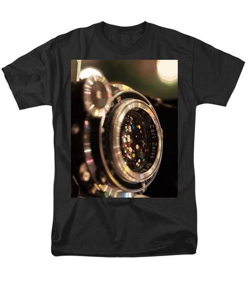 A Zeiss Christmas Men's T-Shirt  (Regular Fit)