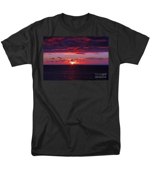 Alaskan Sunset Men's T-Shirt  (Regular Fit) by Bob Hislop