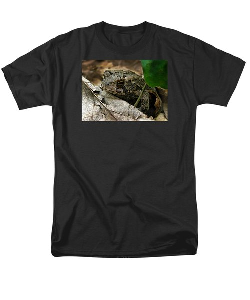 Men's T-Shirt  (Regular Fit) featuring the photograph American Toad by William Tanneberger