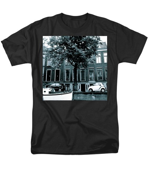 Amsterdam Electric Car Men's T-Shirt  (Regular Fit) by Cheryl Miller