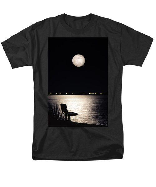 And No One Was There - To See The Full Moon Over The Bay Men's T-Shirt  (Regular Fit) by Gary Heller